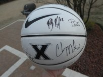 2011-2012 Xavier Muskateers XU team signed basketball Chris Mack Tu Holloway